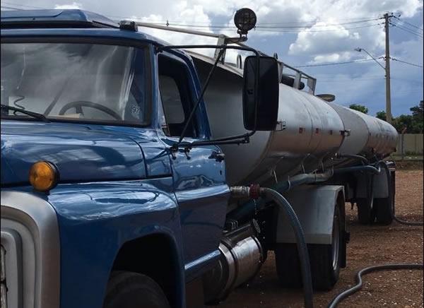 Locação de caminhão pipa c/ água